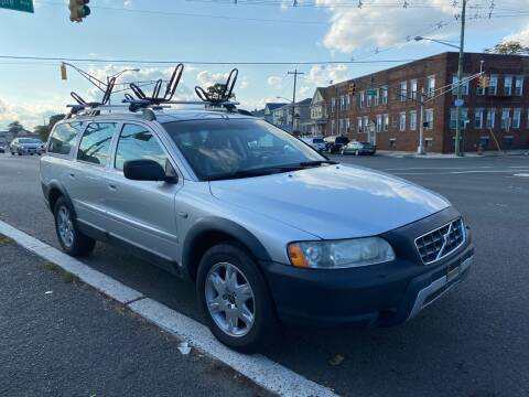 2006 Volvo XC70 for sale at G1 AUTO SALES II in Elizabeth NJ