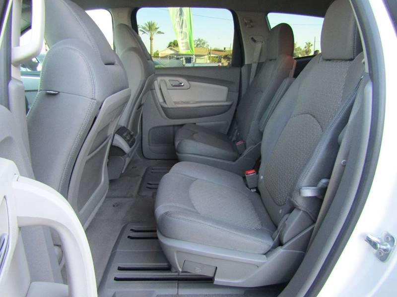 2011 Chevrolet Traverse LT 4dr SUV w/1LT - El Mirage AZ