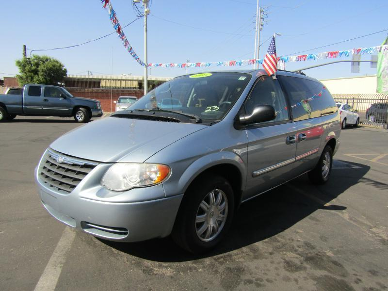 2005 Chrysler Town and Country Touring 4dr Extended Mini-Van - Phoenix AZ