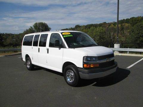 2015 Chevrolet Express Passenger for sale in Watertown, CT