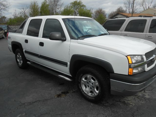 2003 chevrolet avalanche 1500 4dr crew cab 4wd in mc cordsville greenfield indianapolis. Black Bedroom Furniture Sets. Home Design Ideas