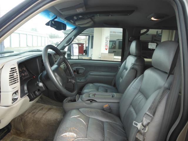 1999 Chevrolet Suburban  - Smithville MO