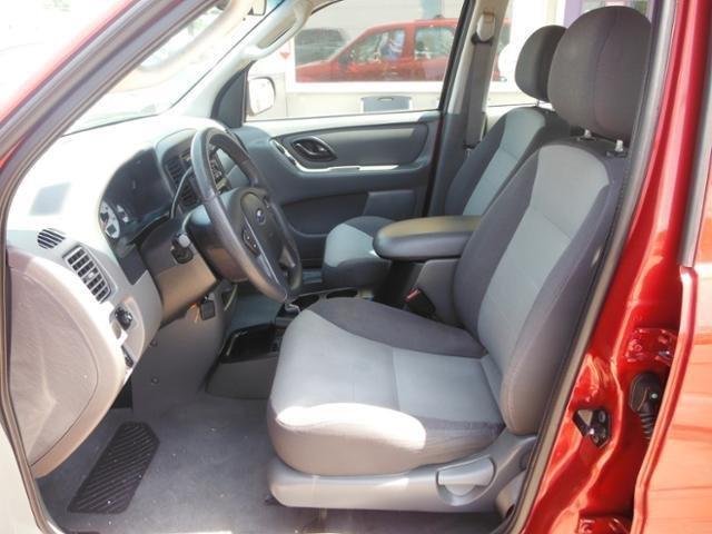 2003 Ford Escape XLS Popular 4dr SUV - Smithville MO
