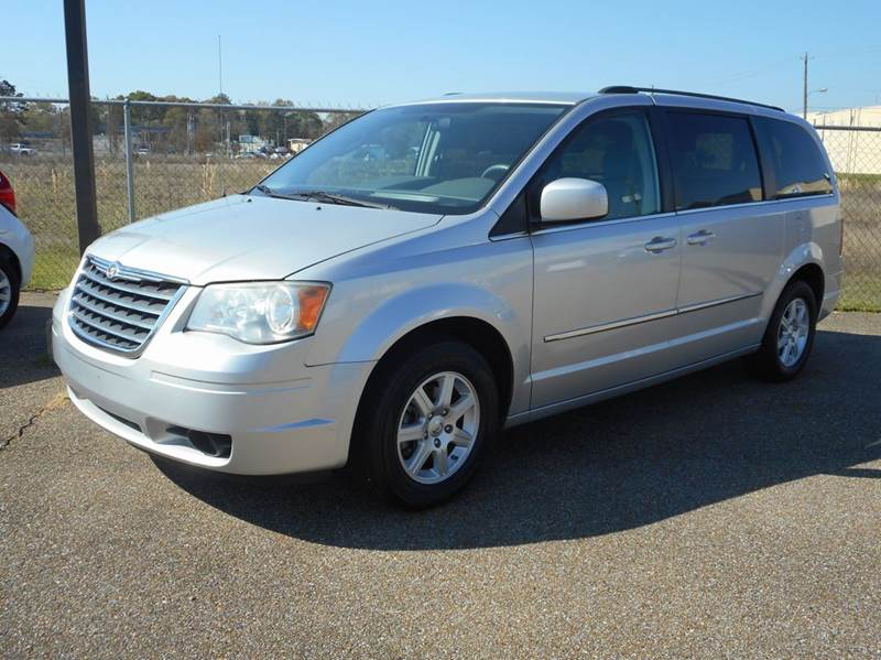 2010 chrysler town and country touring 4dr mini van in hattiesburg ms strahan auto sales. Black Bedroom Furniture Sets. Home Design Ideas