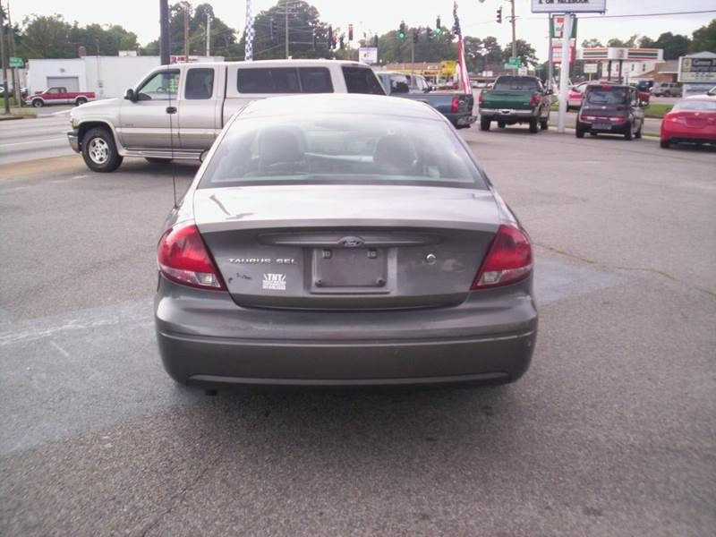 2005 Ford Taurus SEL 4dr Sedan - Portsmouth VA