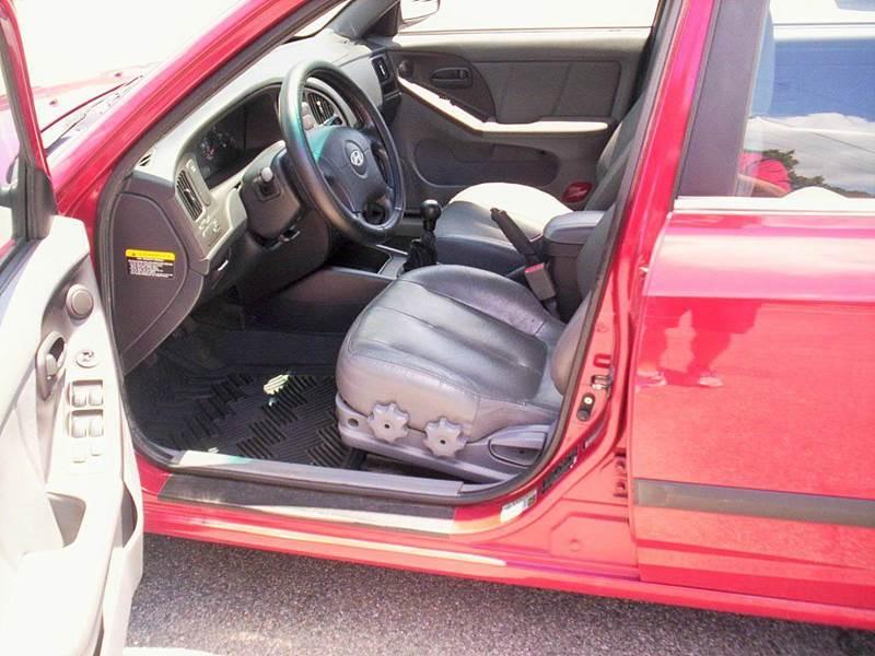2005 Hyundai Elantra GT 4dr Sedan - Portsmouth VA
