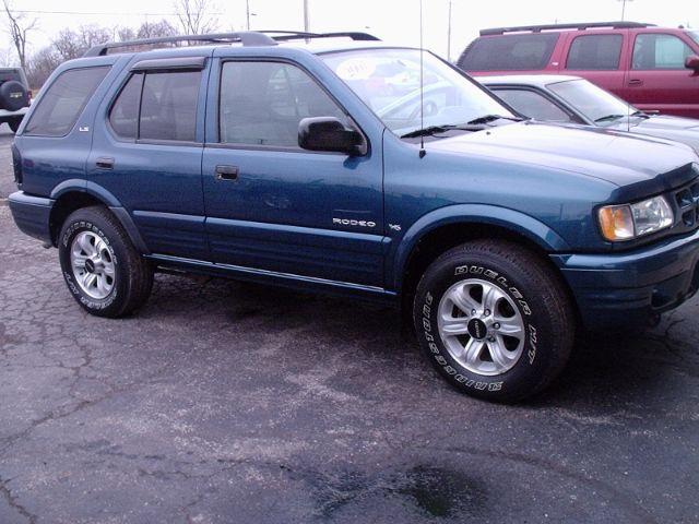 2001 Isuzu Rodeo for sale in Montpelier OH
