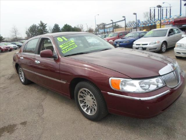 2001 Lincoln Town Car for sale in CHICAGO IL