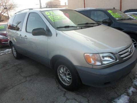 2002 Toyota Sienna for sale in Chicago, IL