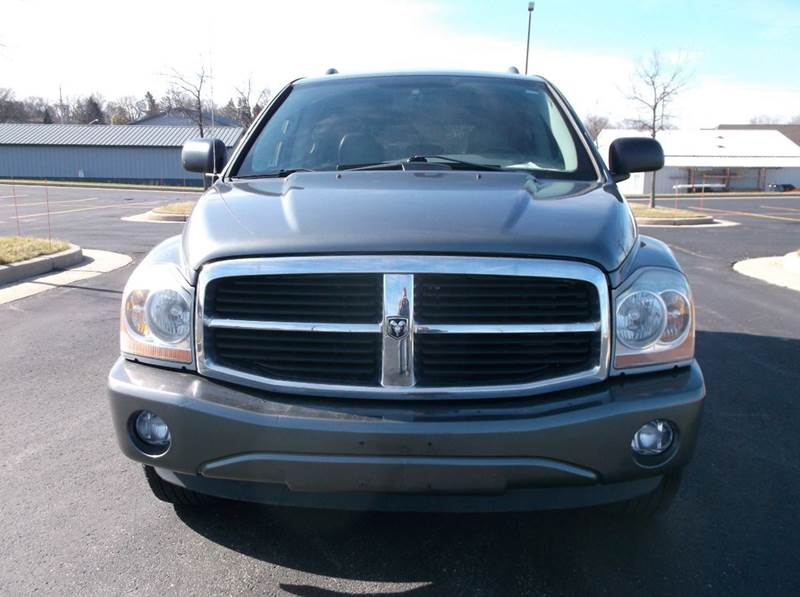 2005 Dodge Durango Limited 4WD 4dr SUV w/ Front, Rear and Third Row Head Airbags - Waukesha WI