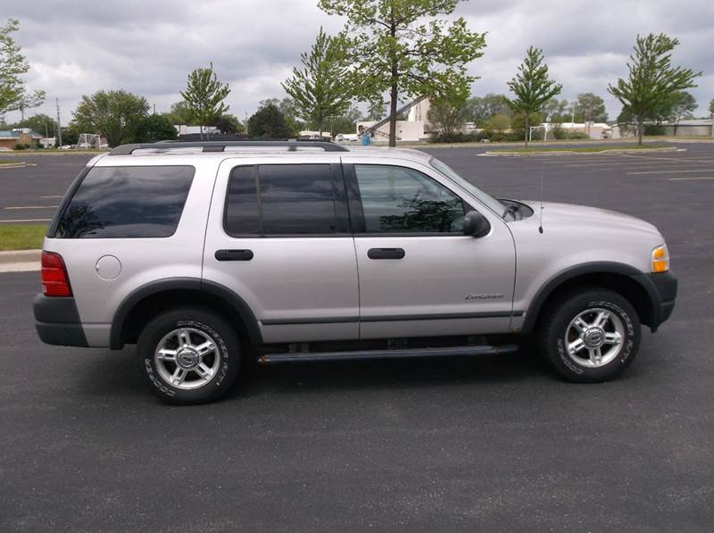 2004 Ford Explorer XLS 4WD 4dr SUV - Waukesha WI