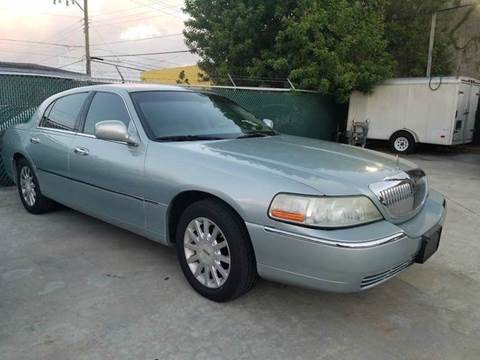 2007 Lincoln Town Car for sale in Hollywood, FL