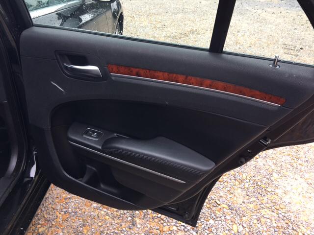 2013 Chrysler 300 4dr Sedan - Collins MS