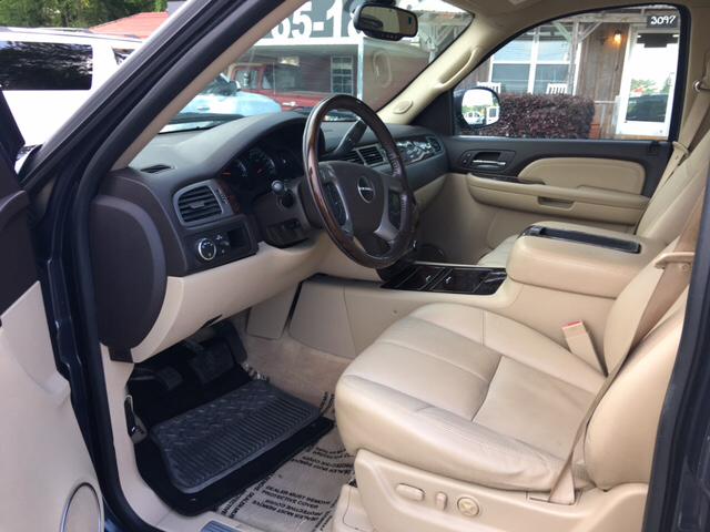 2008 GMC Yukon 4x2 Denali 4dr SUV - Collins MS
