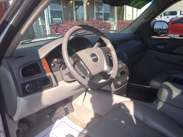 2007 GMC Yukon SLT 4dr SUV w/4SA w/ 1 Package - Collins MS