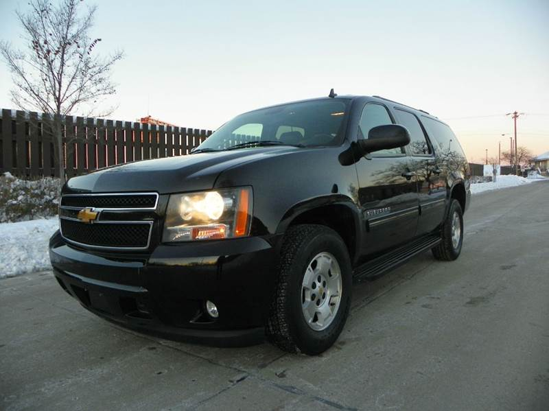 2012 chevrolet suburban lt 1500 4x4 4dr suv in wheeling il. Black Bedroom Furniture Sets. Home Design Ideas
