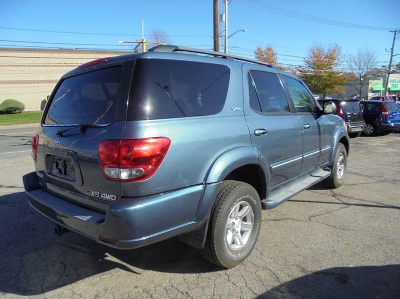2005 Toyota Sequoia SR5 4WD 4dr SUV - Brockton MA