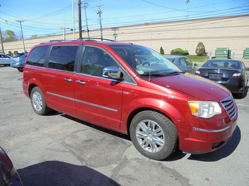 2008 Chrysler Town and Country Limited 4dr Mini-Van - Brockton MA