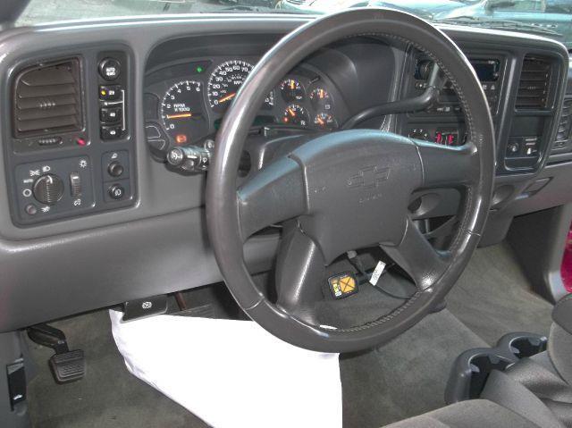 2004 Chevrolet Silverado 1500 LS 2dr Regular Cab 4WD SB - Brockton MA