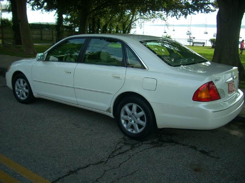 2001 Toyota Avalon XLS 4dr Sedan w/Bucket Seats - Newport RI
