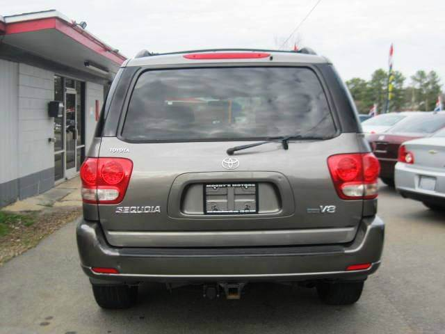 2005 Toyota Sequoia SR5 4dr SUV - Raleigh NC