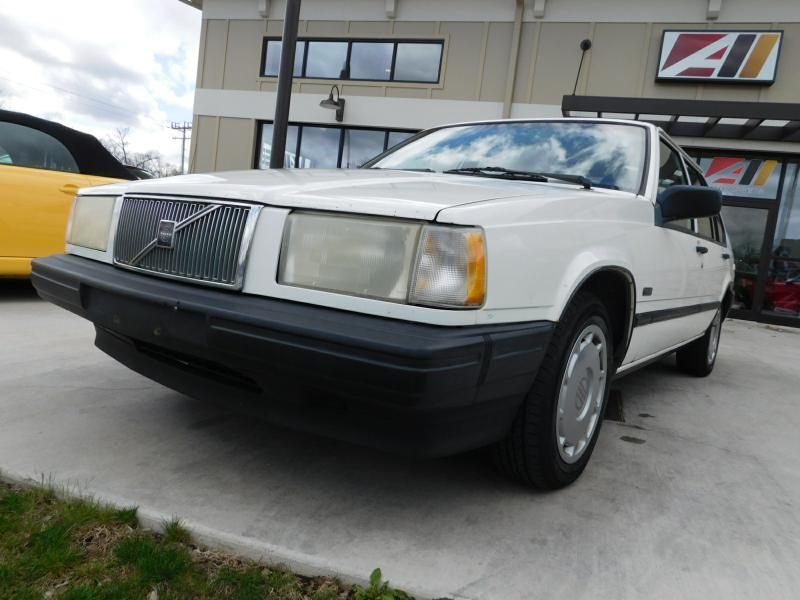 1994 Volvo 940 4dr Sedan - Powell OH