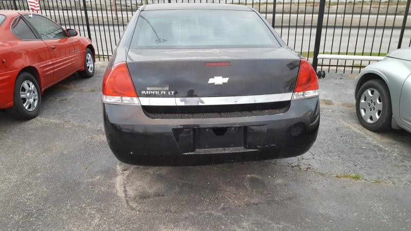 2006 Chevrolet Impala LT 4dr Sedan w/3.5L w/ roof rail curtain delete - Houston TX