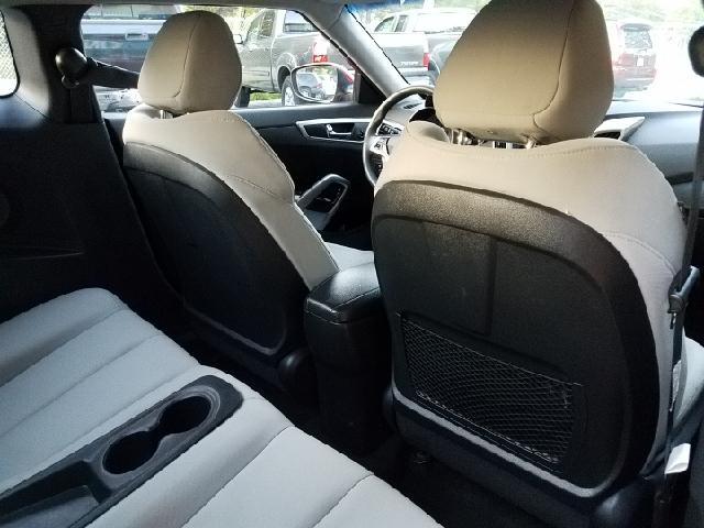 2012 Hyundai Veloster 3dr Coupe w/Black Seats - Ravenna OH