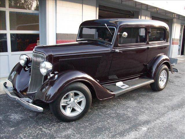 1934 Plymouth Deluxe