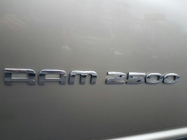 2005 Dodge Ram Pickup 2500 4dr Quad Cab SLT 4WD SB - Ravenna OH