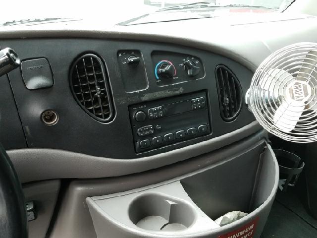 1997 Ford E-450 CUTAWAY BOX VAN - Ravenna OH