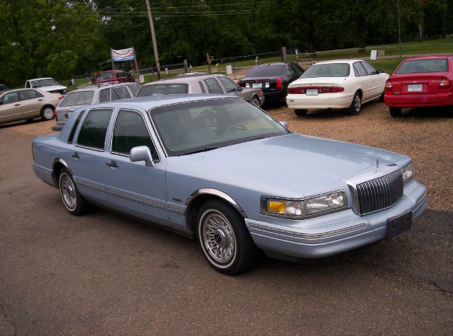 used 1997 lincoln town car for sale. Black Bedroom Furniture Sets. Home Design Ideas