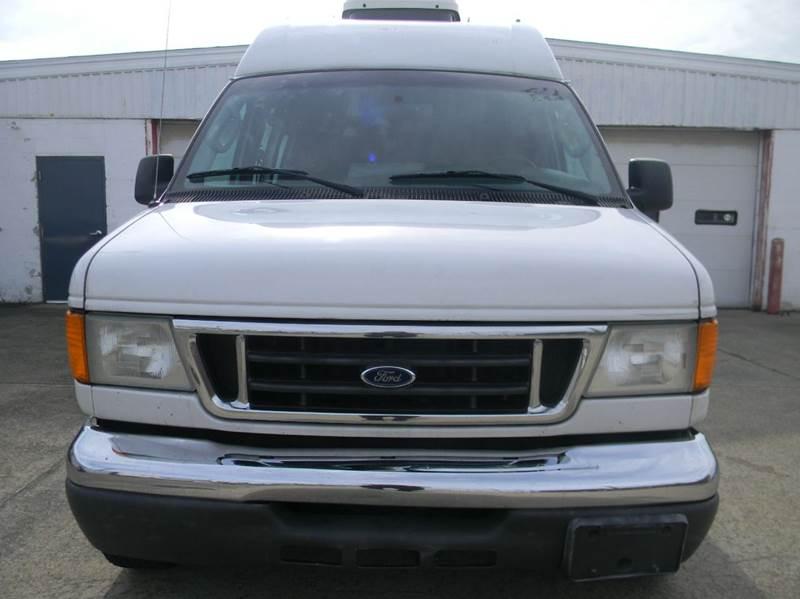 2005 Ford E-Series Cargo E-350 SD 3dr Extended Cargo Van - Parma OH