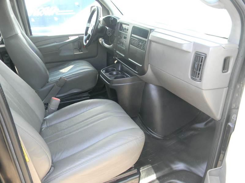 2005 Chevrolet Express Cargo 1500 3dr Van - Parma OH