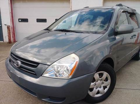 2006 Kia Sedona for sale in Parma, OH