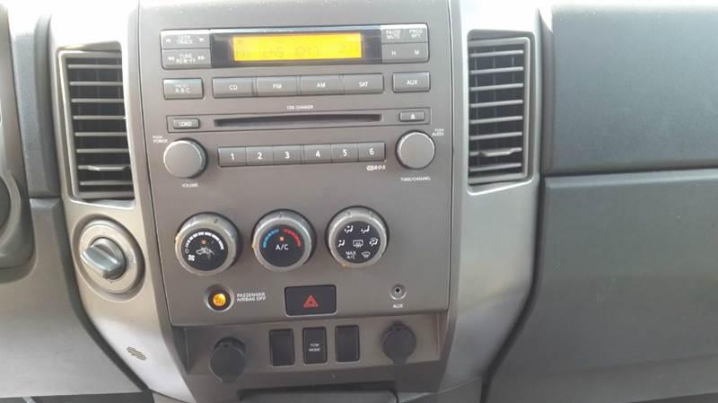 2005 Nissan Titan SE 4dr Crew Cab 4WD SB - Pawling NY