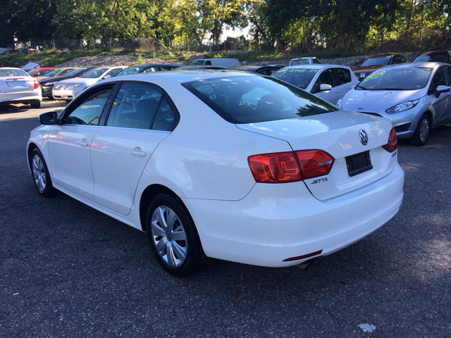 2013 Volkswagen Jetta SE PZEV 4dr Sedan 5M - Phillipsburg NJ