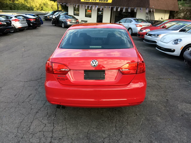2013 Volkswagen Jetta S 4dr Sedan 6A (end1/13) - Phillipsburg NJ