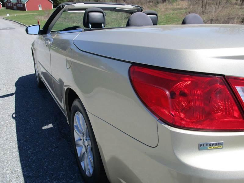 2010 Chrysler Sebring Touring 2dr Convertible - Poughkeepsie NY