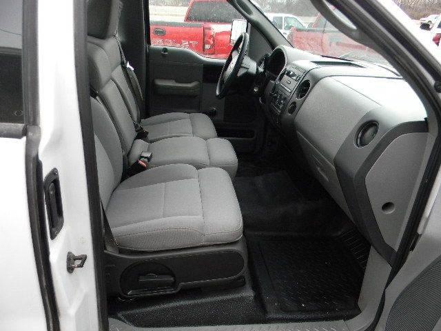 2006 Ford F-150 XL 2dr Regular Cab Styleside 8 ft. LB - Topeka KS