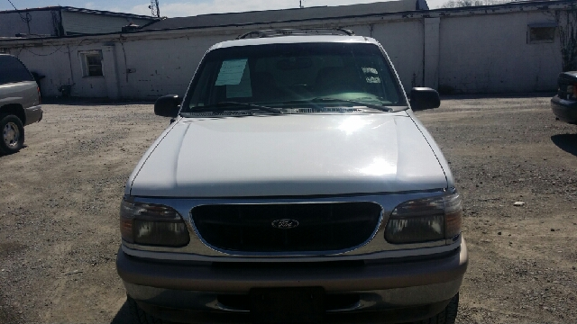 1998 Ford Explorer AWD Eddie Bauer 4dr SUV - Florence KY