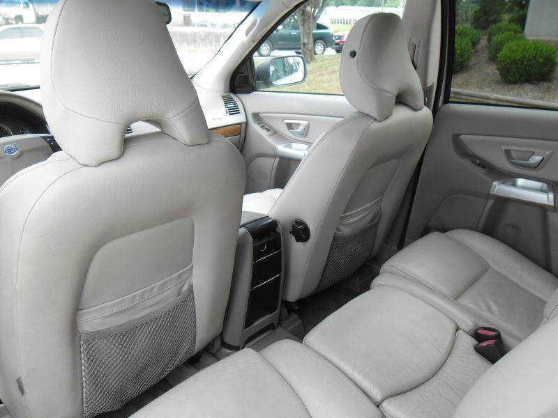 2005 Volvo XC90 4dr 2.5T Turbo SUV - Columbus MS