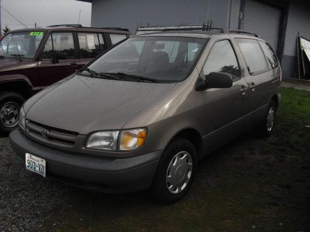 1998 toyota sienna 3dr ce mini van in miami fl for sale by owner. Black Bedroom Furniture Sets. Home Design Ideas