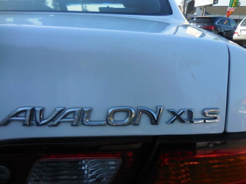 1998 Toyota Avalon XLS 4dr Sedan - Lynnwood WA