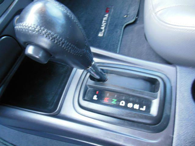 2004 Hyundai Elantra GT 4dr Sedan - Lynnwood WA