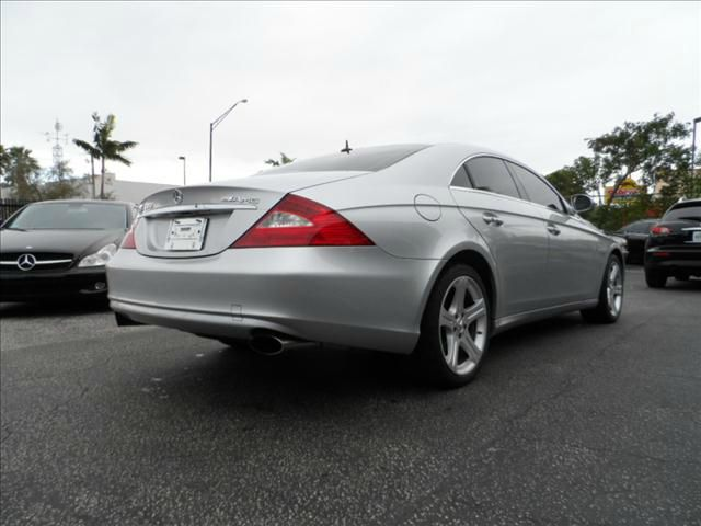 2006 mercedes benz cls class cls500 4 door coupe for sale in pompano beach dania deerfield beach. Black Bedroom Furniture Sets. Home Design Ideas