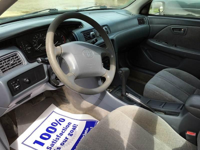 2000 Toyota Camry LE 4dr Sedan - Onarga IL