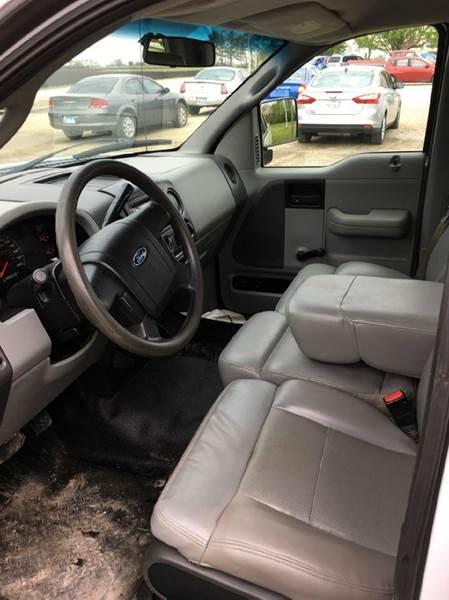 2007 Ford F-150 XL 2dr Regular Cab Styleside 8 ft. LB - Onarga IL