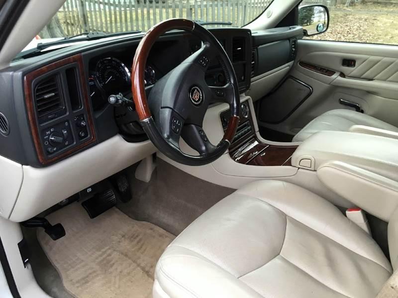 2004 Cadillac Escalade ESV AWD Platinum Edition 4dr SUV - Onarga IL