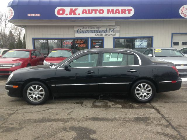 2007 KIA AMANTI BASE 4DR SEDAN black low mile leather  sun roof  must see there have been